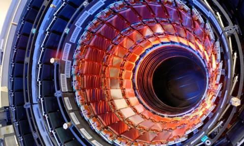 Έτοιμος για επαναλειτουργία ο επιταχυντής του CERN (Vid)