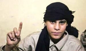 Βίντεο - σοκ: Η στιγμή που έφηβος τζιχαντιστής ανατινάσσεται σε γήπεδο στο Ιράκ