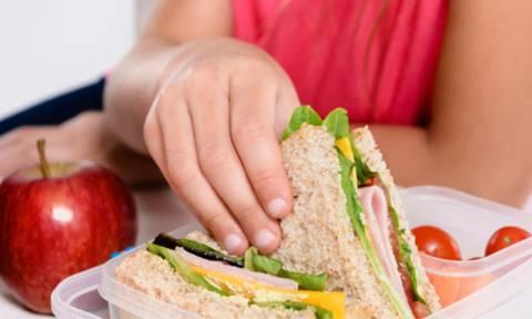 Οι μαθητές που τρώνε κολατσιό στο σχολείο, έχουν υγιέστερο βάρος