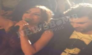 Παντελίδης: Όταν ο αδικοχαμένος παρέδιδε το μικρόφωνο σε Κύπρια τραγουδίστρια (video)