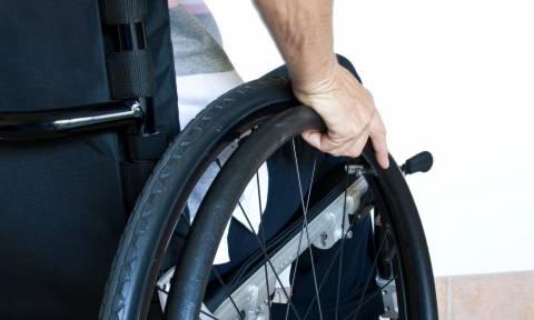 Χωρίς ίχνος κοινωνικής ευαισθησίας: Μείωση 25% στις αναπηρικές συντάξεις