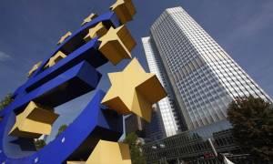 ΕΚΤ: Το πετρέλαιο μεταξύ 30 και 45 δολαρίων το βαρέλι