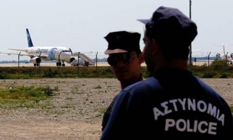 Αεροπειρατεία Κύπρος: Επεισοδιακή αεροπειρατεία στο αεροδρόμιο της Λάρνακας (Pics & Vids)