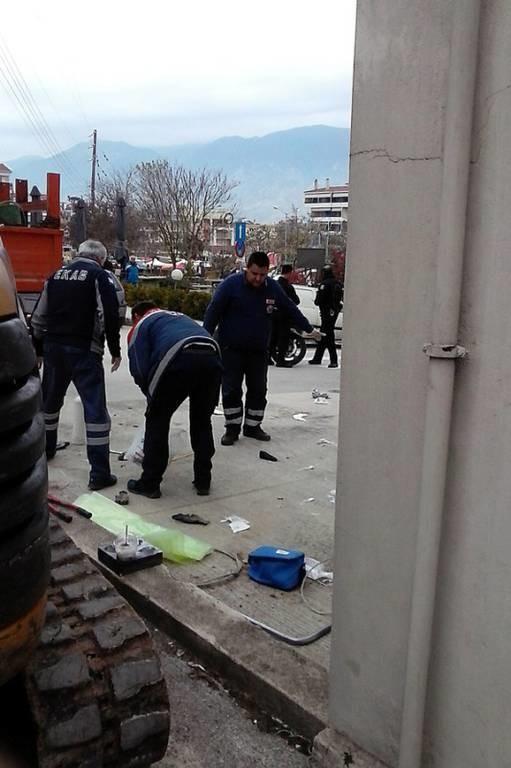 Ιωάννινα: Σε κρίσιμη κατάσταση δύο εργάτες που χτυπήθηκαν από ρεύμα (photos - video)
