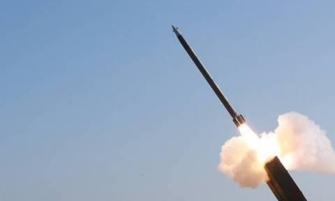 Βόρεια Κορέα: Εκτόξευσε πύραυλο μικρού βεληνεκούς πάνω από τη θάλασσα