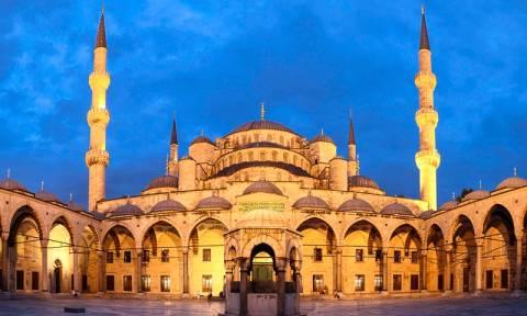 Σημαντική μείωση στις αφίξεις ξένων τουριστών στην Τουρκία