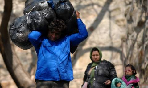 Αυξήθηκε η ροή προσφύγων στα νησιά - 51.430 πλέον αυτοί που παραμένουν στη χώρα