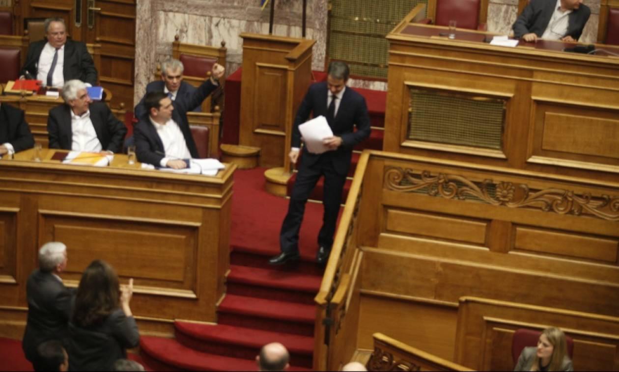 Αποκάλυψη: Αυτός είναι ο δημοσιογράφος που «φωτογράφισε» ο Μητσοτάκης ως σύμβουλο του Τσίπρα; (pics)