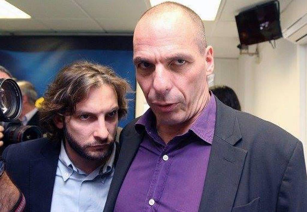 Αποκάλυψη: Αυτός είναι ο δημοσιογράφος που «φωτογράφησε» ο Μητσοτάκης ως σύμβουλο του Τσίπρα; (pics)