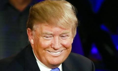 Ο Ντόναλντ Τραμπ υποστηρίζει τον εαυτό του και μόνο τον εαυτό του (Vid)