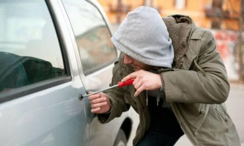 Έκλεβαν πολυτελή αυτοκίνητα και τα έκρυβαν... στο Κολωνάκι