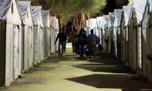 Μυτιλήνη: Καταγγελίες για μεταφορά δυο προσφύγων σε νοσοκομείο με χειροπέδες