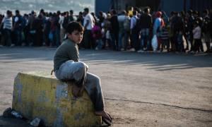 Πρόσφυγες και μετανάστες αναχώρησαν από το λιμάνι του Πειραιά για Κυλλήνη και Ιωάννινα