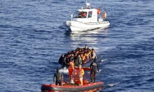 Απίστευτο: Εκατοντάδες μετανάστες σώθηκαν χάρη σε ένα… τυχαίο τηλεφώνημα!