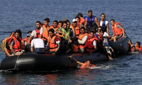 Περίπου 400 πρόσφυγες και μετανάστες έφτασαν σε Λέσβο και Χίο