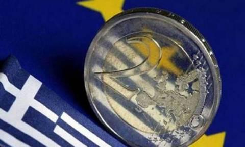 ΙΟΒΕ: Μικρή ανάκαμψη του οικονομικού κλίματος, αλλά στο «ναδίρ» η καταναλωτική εμπιστοσύνη