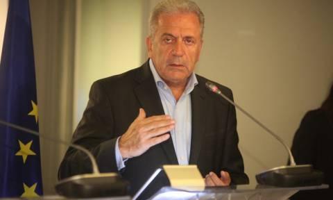 Αβραμόπουλος: Κορυφαία προτεραιότητα η επανεγκατάσταση προσφύγων στην Τουρκία