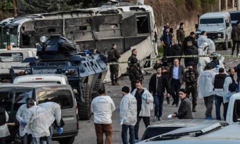 Το PKK ανέλαβε την ευθύνη για την επίθεση στο Ντιγιάρμπακιρ – Νταβούτογλου: Δεν τους φοβόμαστε