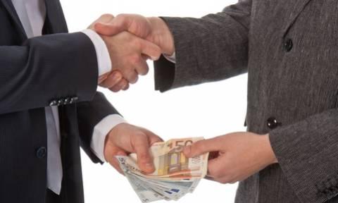 Θεσσαλονίκη: Υποσχόταν επενδυτικά πακέτα - Απέσπασε 75.000 ευρώ και συνελήφθη για απάτες