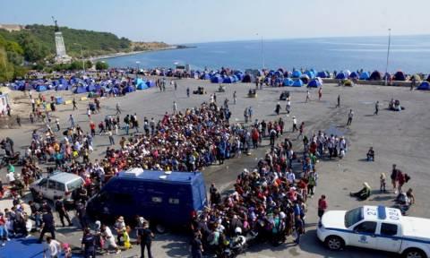 Λέσβος: Το σχέδιο της απέλασης των μεταναστών από το λιμάνι του Δίκελι
