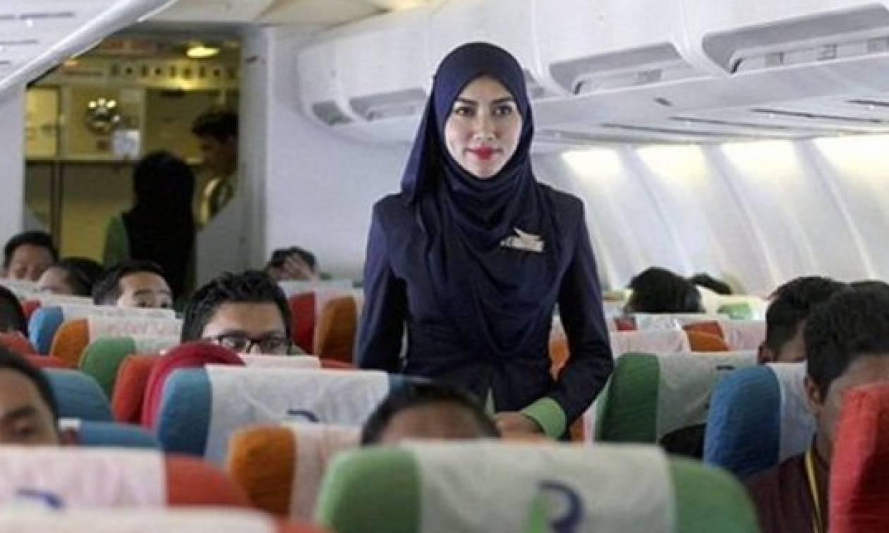Γαλλία: Aεροσυνοδοί της Air France αρνούνται να φορούν μαντίλα όταν θα προσγειώνονται στην Τεχεράνη