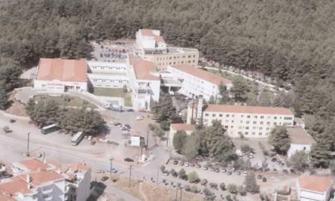 Δωρεά εξοπλισμού στο νοσοκομείο Τρίπολης – Επίσκεψη Ξανθού