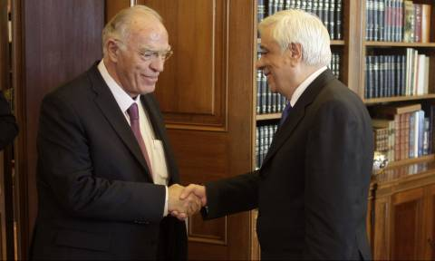 Παυλόπουλος σε Λεβέντη: Συμβούλιο αρχηγών μόνο με αίτημα πρωθυπουργού