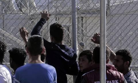 Λέσβος: Μετανάστες απέκλεισαν το hot spot της Μόριας