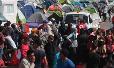 Πειραιάς: Αρνούνται να φύγουν από το λιμάνι οι πρόσφυγες