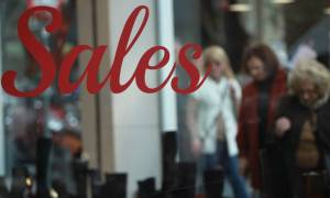 Εκπτώσεις και ανοικτά καταστήματα την Κυριακή μετά το Πάσχα