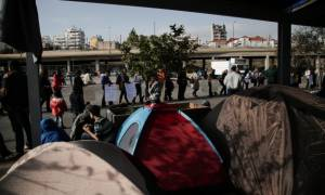 Πειραιάς: Στους 4.761 οι πρόσφυγες και μετανάστες στο λιμάνι - Εισαγγελική παρέμβαση ζητά η ΠΕΑΛΣ