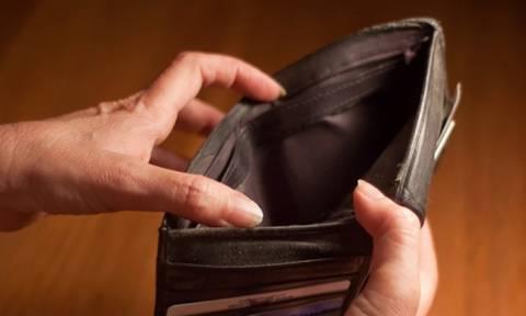 «Κλείδωσε» η φοροεπιδρομή: Δείτε τα νέα βάρη στην καθημερινότητά μας
