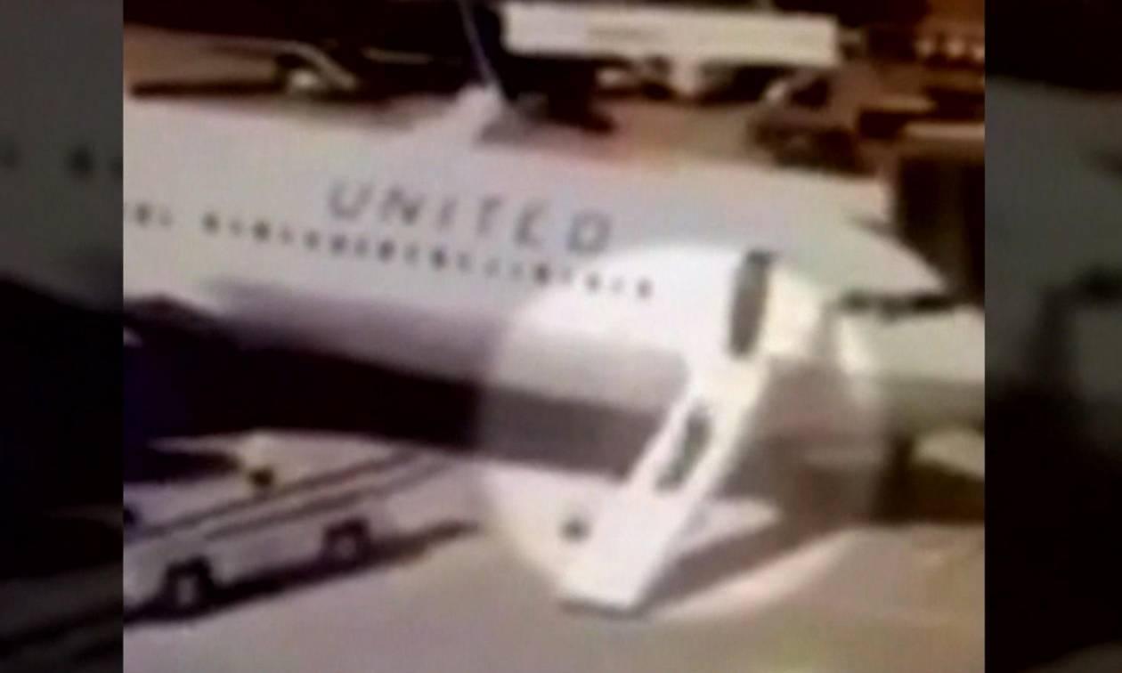 Χιούστον: Αεροσυνοδός άνοιξε τη σκάλα έκτακτης ανάγκης και... έφυγε από το αεροπλάνο! (vid)
