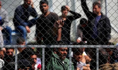 «Μπλόκαρε» η επαναπροωθήση μεταναστών - Αναβολή έως την Παρασκευή πήρε η διαδικασία