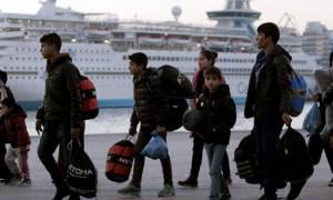 Παλινωδίες δίχως τέλος: Η κυβέρνηση αντί να μεταφέρει τους πρόσφυγες, τους αλλάζει προβλήτα!