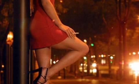 Γαλλία: Τσουχτερά πρόστιμα στους πελάτες για πληρωμένο σεξ
