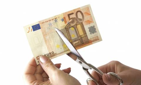 Die Zeit: Θέμα χρόνου ένα «πραγματικό κούρεμα» του ελληνικού χρέους