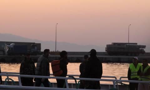 Νέες επαναπροωθήσεις προσφύγων από τα νησιά προς την Τουρκία-Ξεπερνούν τους 52.600 οι εγκλωβισμένοι