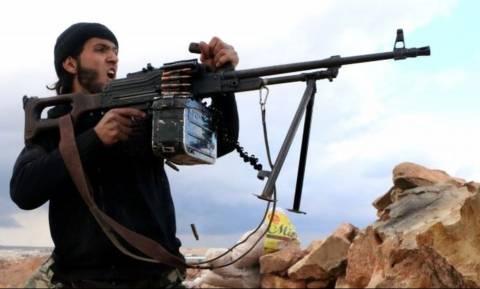 Σε άτακτη υποχώρηση οι τζιχαντιστές: Στα χέρια ανταρτών «πόλη-κλειδί» στη Συρία (Vids)