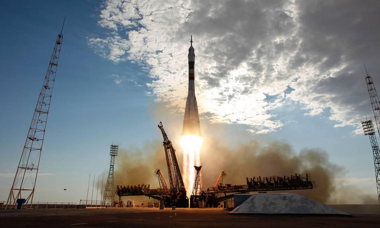 Με ρωσικές μηχανές θα εκτοξεύονται οι δορυφόροι των ΗΠΑ
