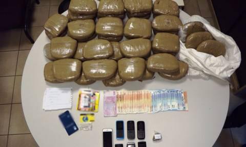 Θεσσαλονίκη: Συνελήφθησαν για εμπόριο ναρκωτικών - Βρέθηκαν στην κατοχή τους 23 κιλά κάνναβης