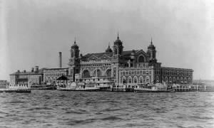 Σαν σήμερα το 1890 το νησί Έλις γίνεται ο πρώτος σταθμός των Ελλήνων μεταναστών στις ΗΠΑ