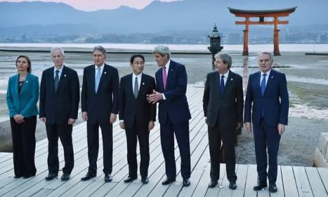 Ιστορική επίσκεψη Κέρι στο μουσείο πυρηνικού ολοκαυτώματος της Χιροσίμα