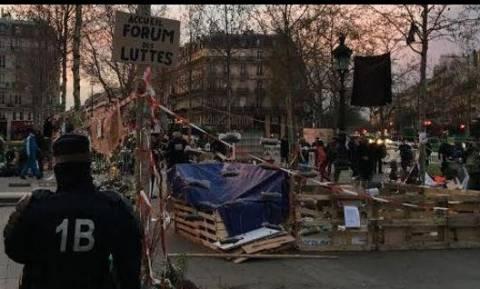 «Καθάρισε» από διαδηλωτές η πλατεία δημοκρατίας στο Παρίσι
