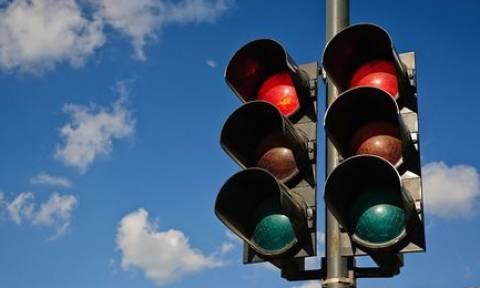 Το ξέρατε; Να γιατί τα φανάρια έχουν πράσινο, κόκκινο και κίτρινο χρώμα!