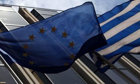 Κομισιόν: Η Ελλάδα πρέπει να κάνει βελτιώσεις στο σχέδιο για το προσφυγικό