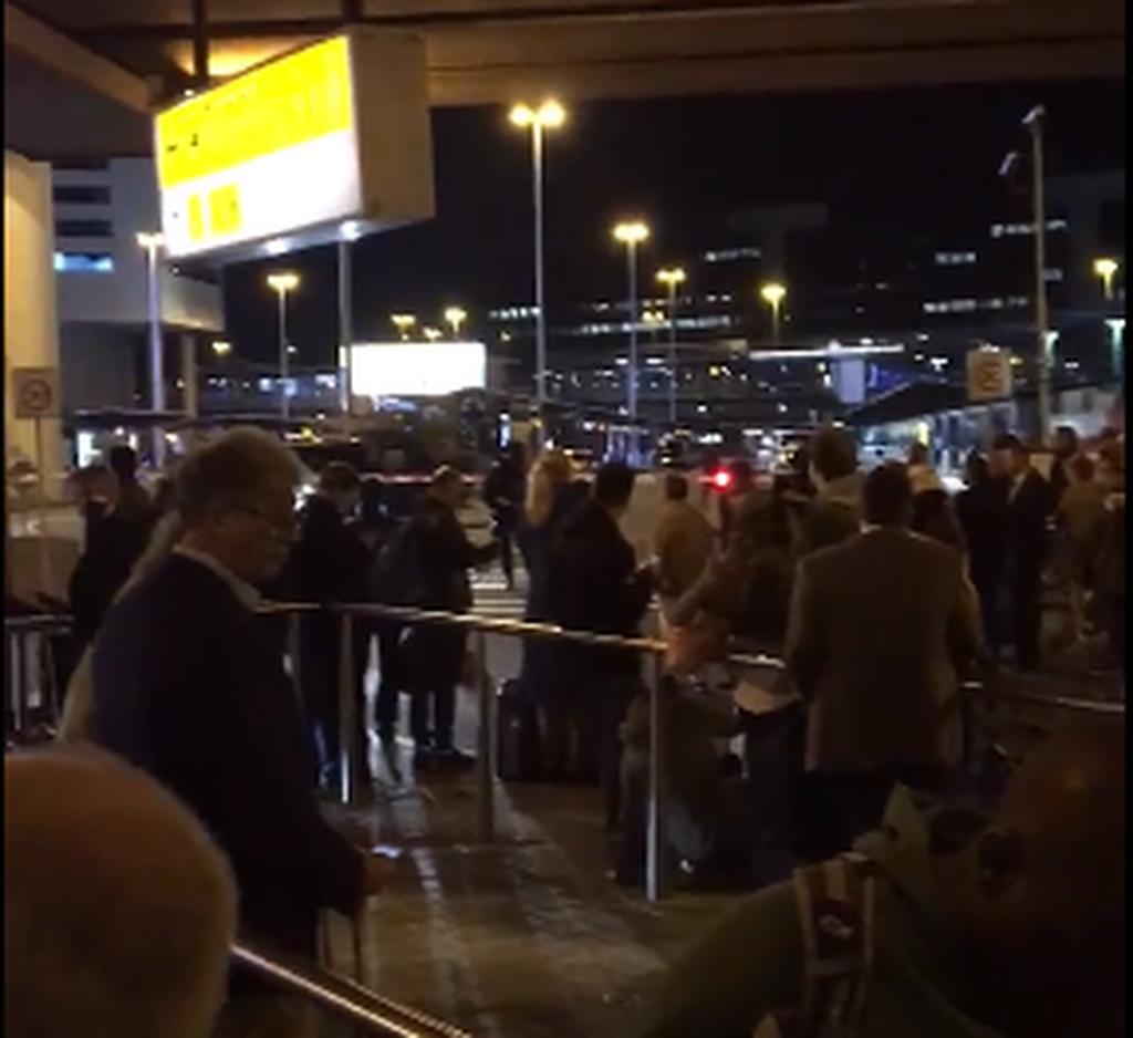 Εκκενώθηκε το αεροδρόμιο του Άμστερνταμ - Εντοπίστηκε ύποπτο δέμα
