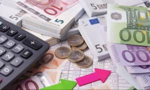 Νέες επιβαρύνσεις 1,8 δισ. ευρώ από τις αλλαγές στο φόρο εισοδήματος