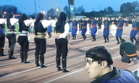 Συγκλονιστικό βίντεο: Σείεται η γη όταν Πόντιοι και Κρητικοί χορεύουν αντικριστά