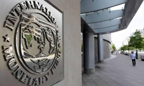 ΔΝΤ: Μη βιώσιμο το ελληνικό χρέος - Απαιτείται η ελάφρυνση του